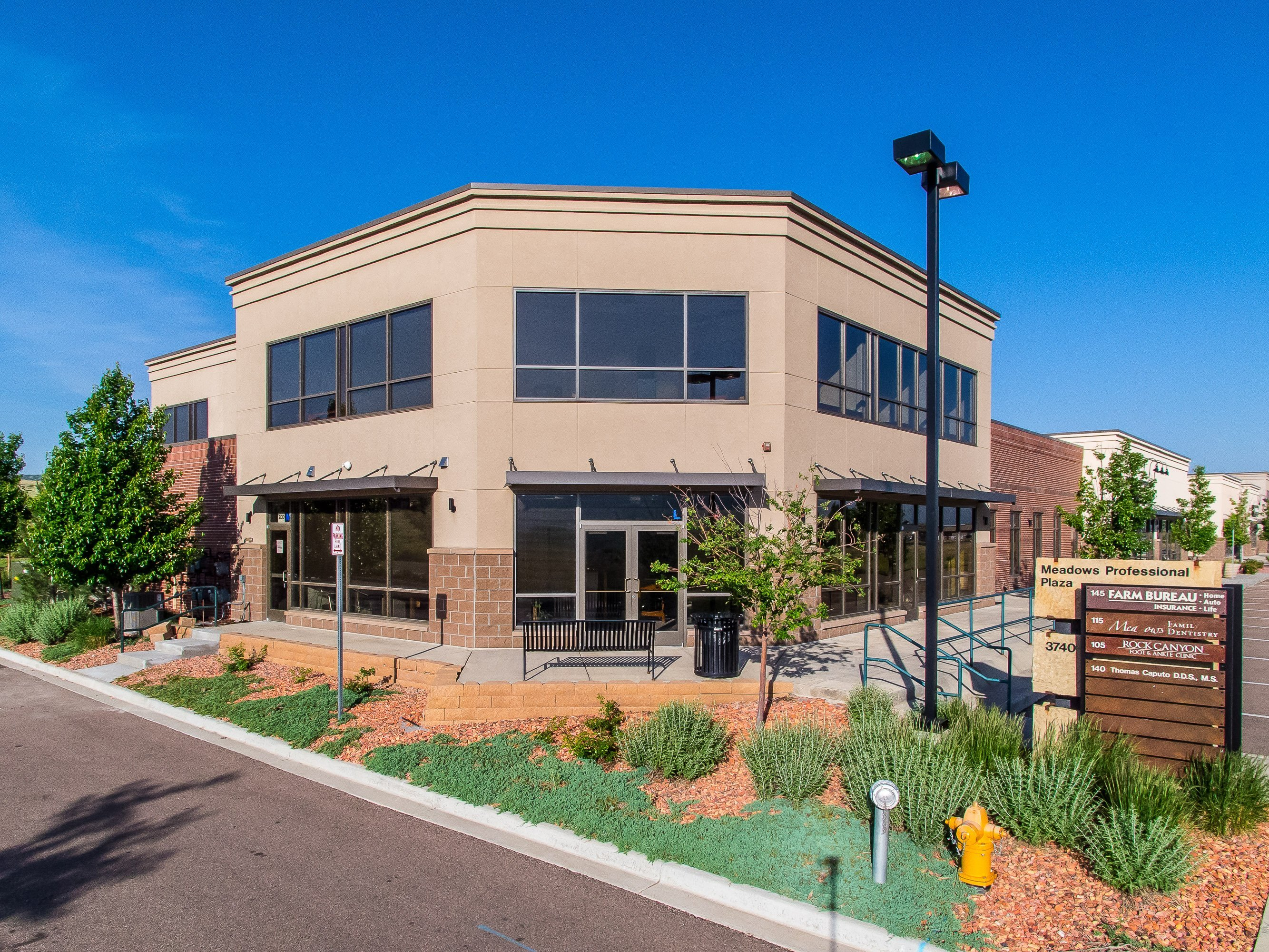 NavPoint Real Estate Group sells 906 SF Office Condo in Castle Rock for $171,000
