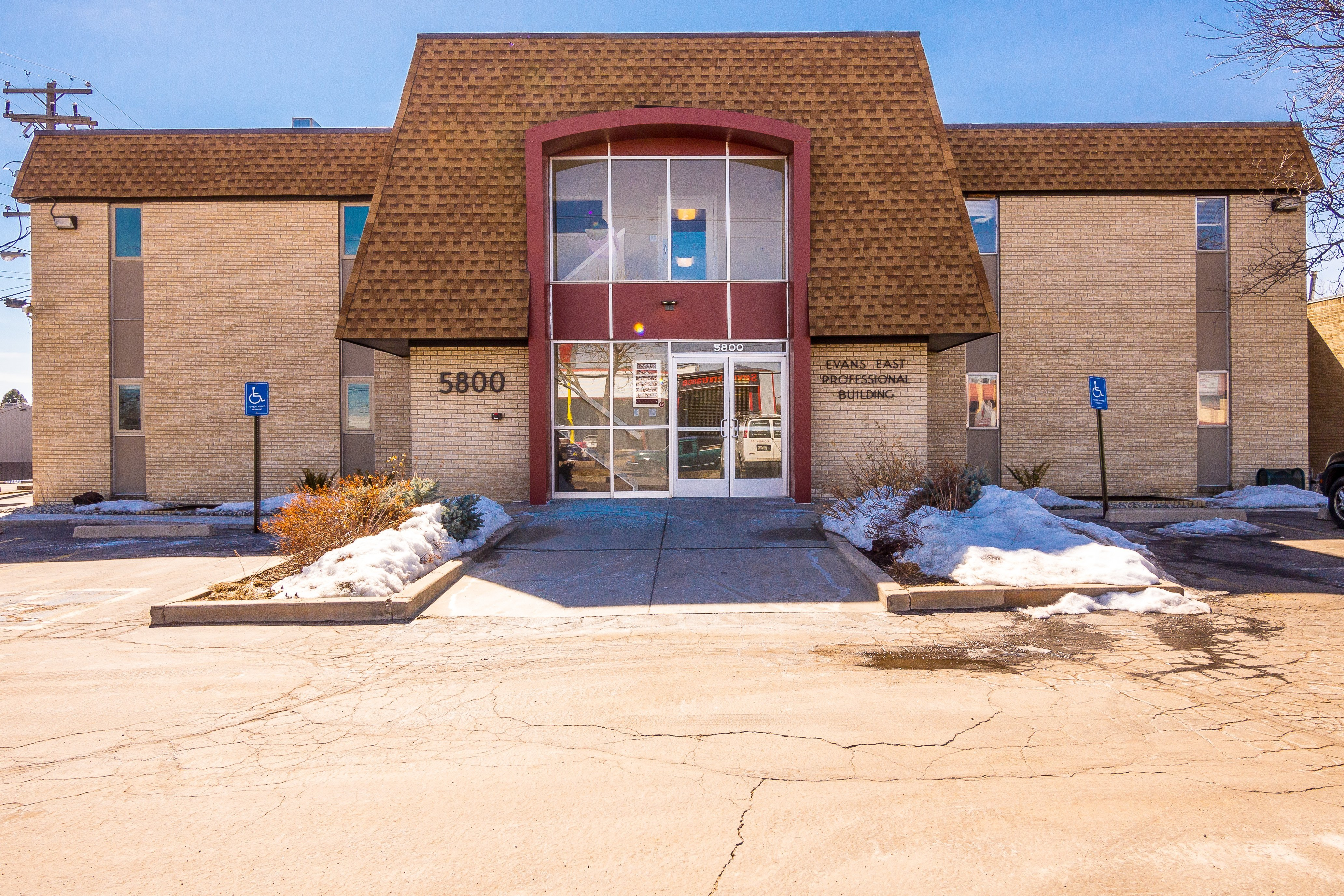 NavPoint Real Estate Group sells Office Building in Denver for $1,275,000