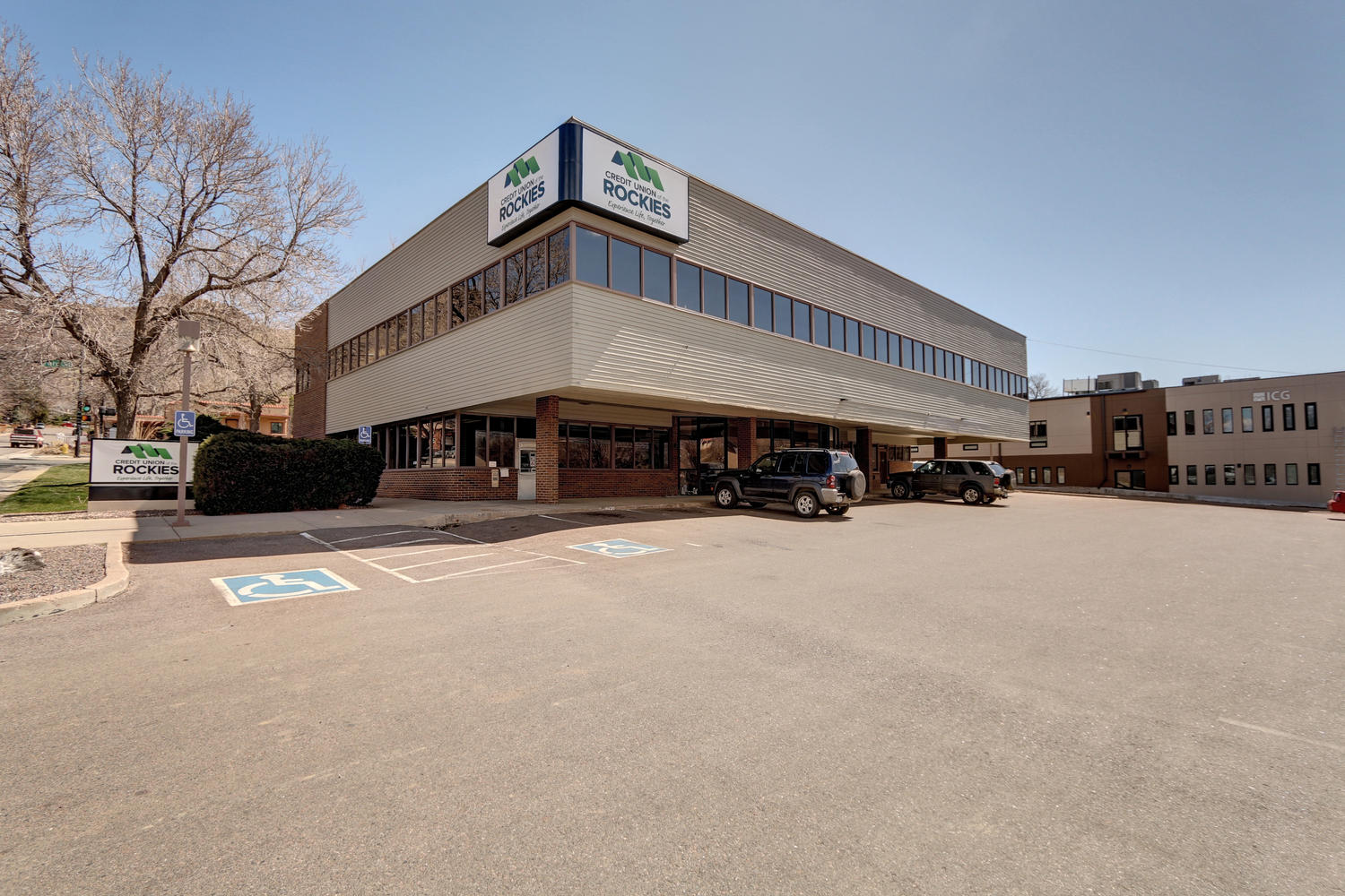 NavPoint Real Estate Group Closes Office Building in Golden for $2,450,000