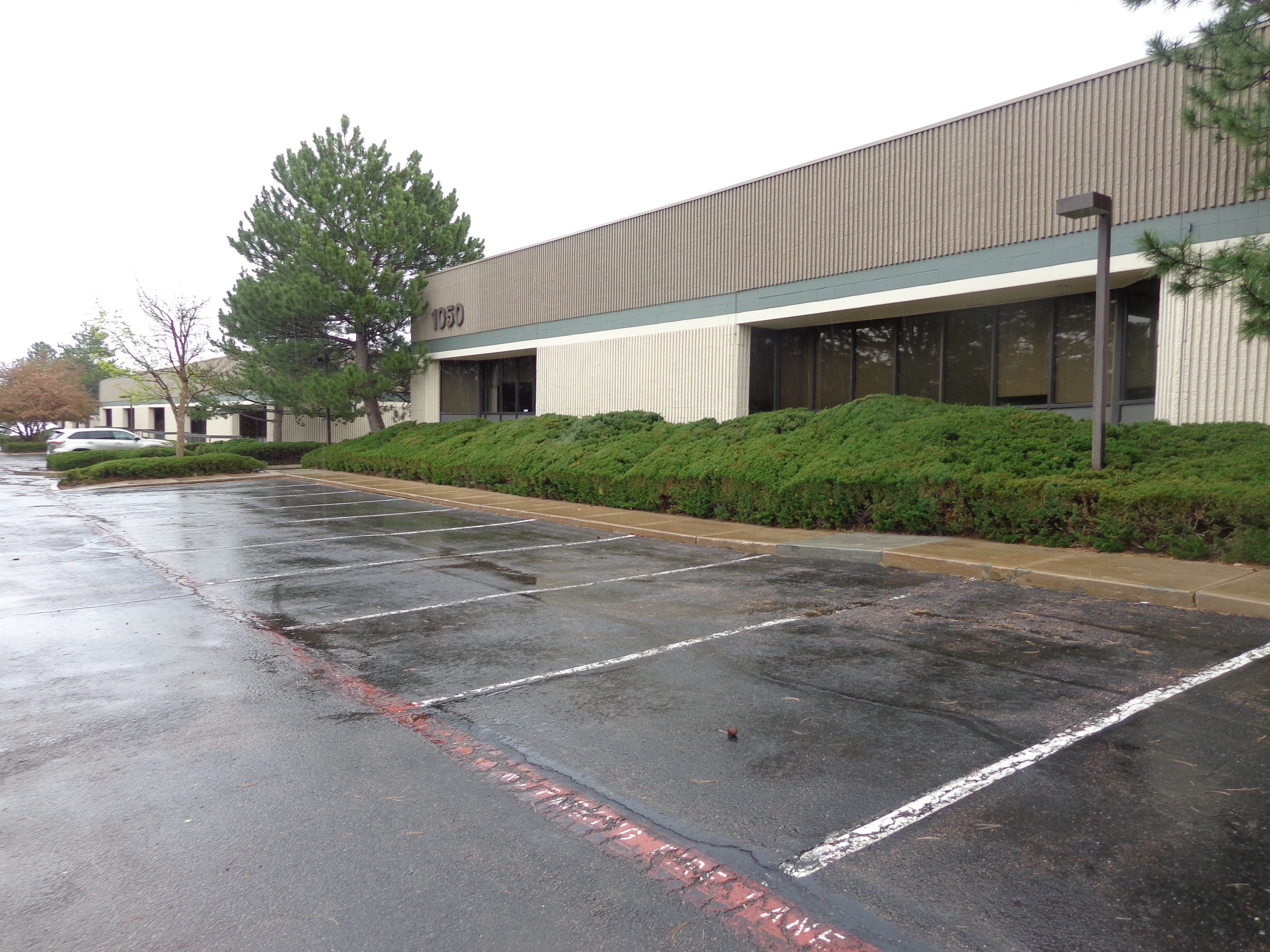NavPoint Real Estate Group Closes Office/Flex/Warehouse Building in Colorado Springs for $3,100,000