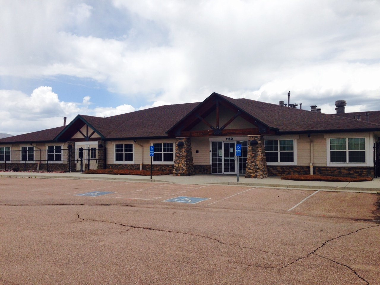 NavPoint Real Estate Group Closes on Retail Building in Colorado Springs for $1,275,000