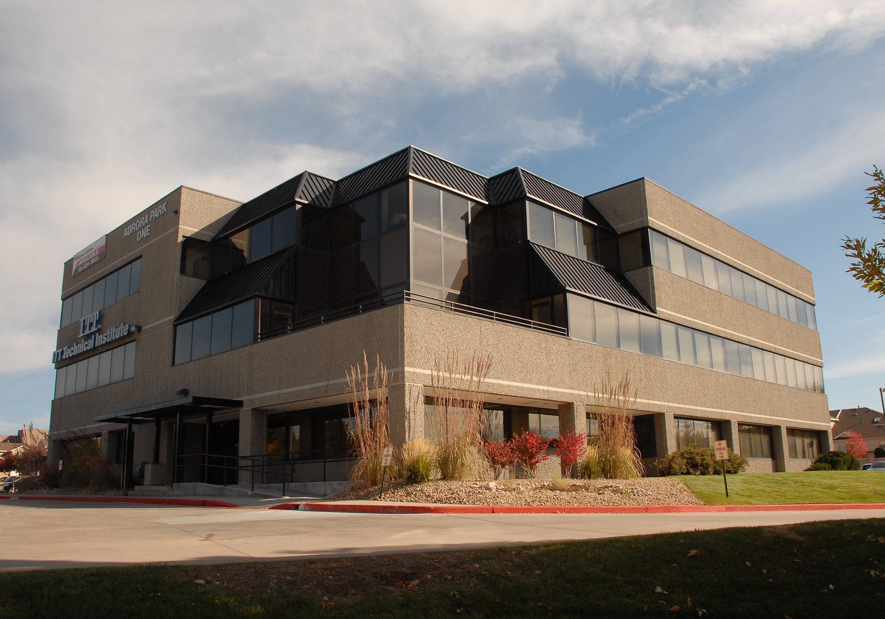 NavPoint Real Estate Group Sells 27,066 SF Office Building in Aurora