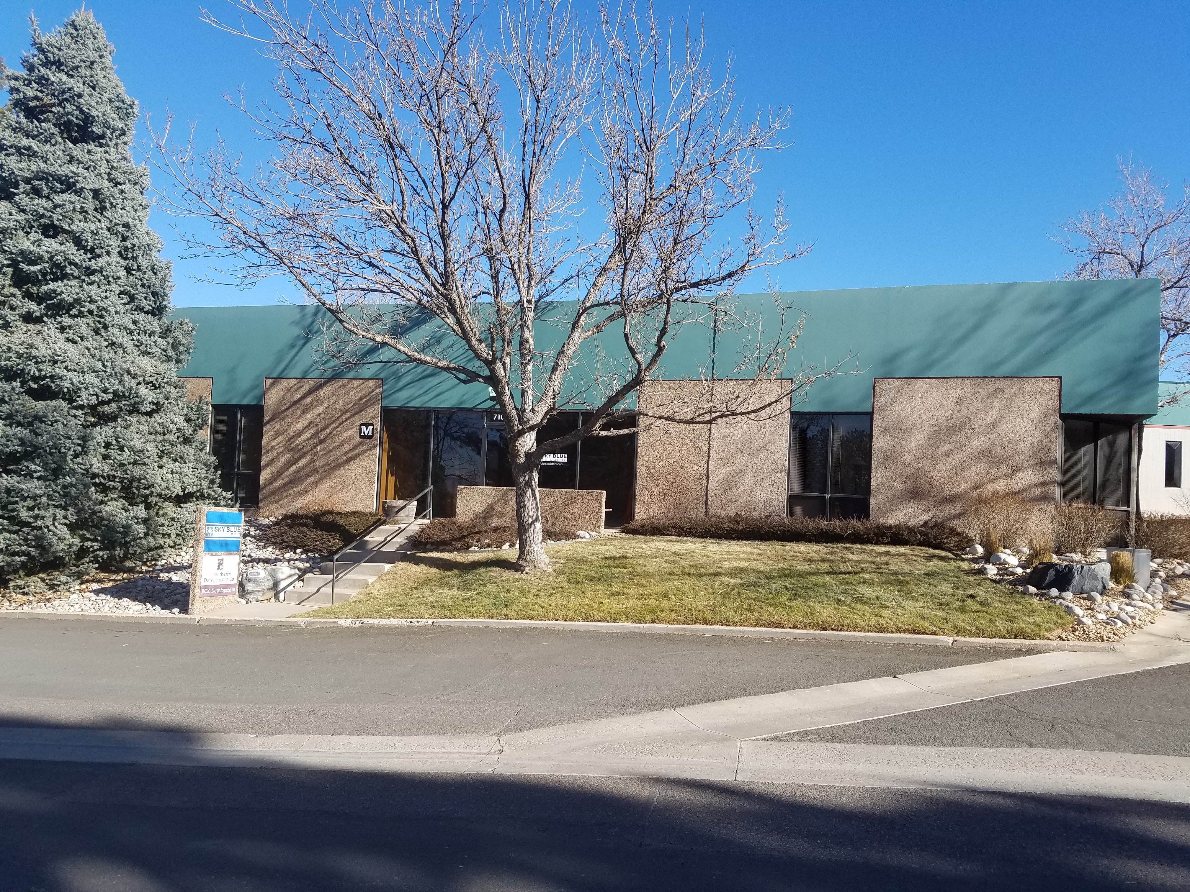 NavPoint Real Estate Group's sells 4,776 SF Office/Flex Building in Centennial for $835,800